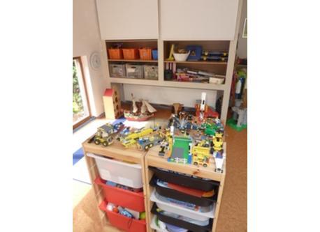 Corner with toys