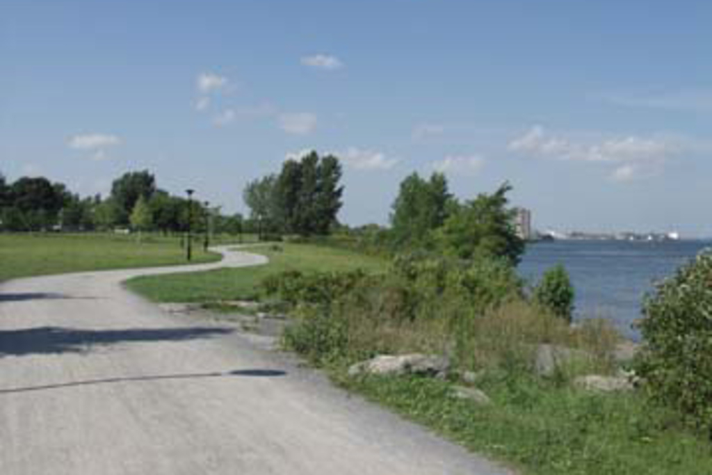 Walking and biking path along the St-Lawrence river, 300 meters away.