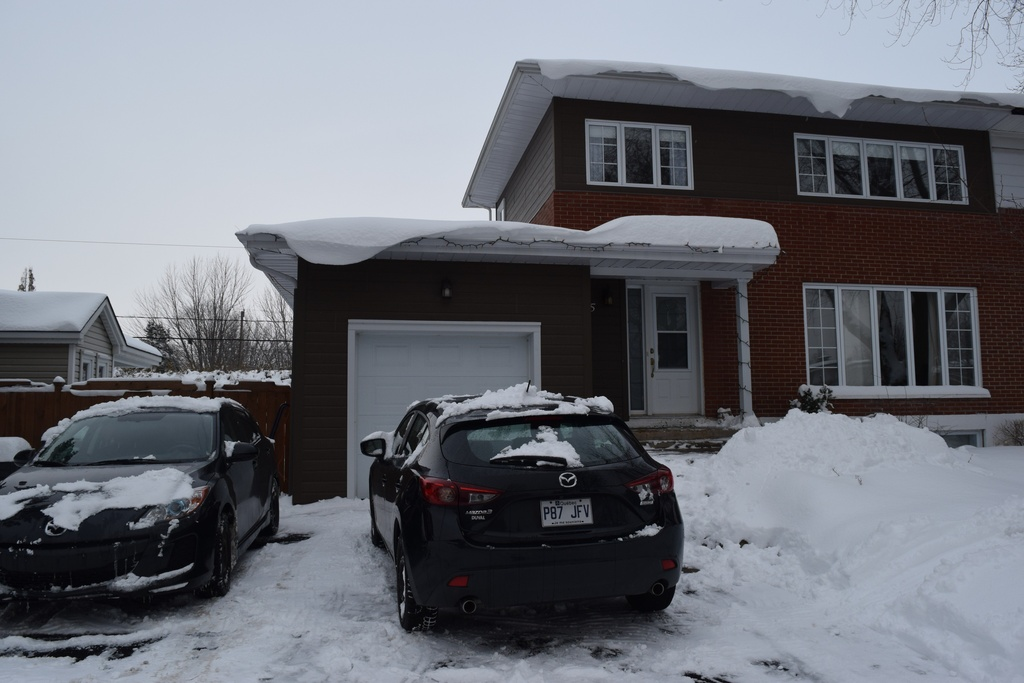 Our house in wintertime / Notre maison en hiver