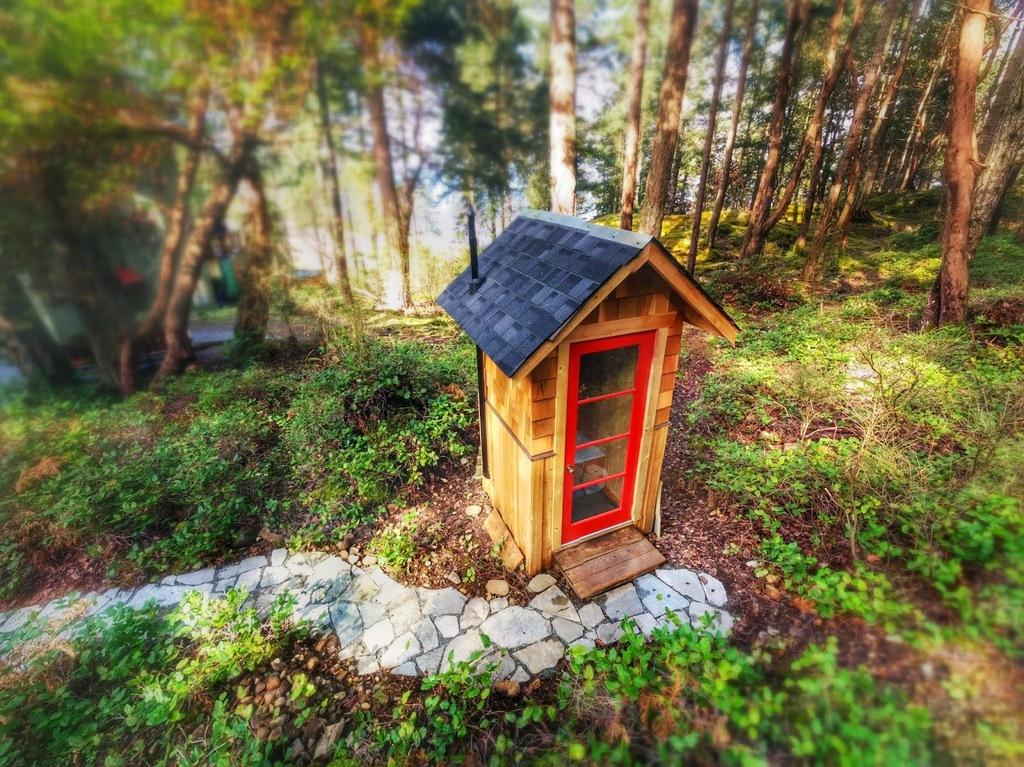 Fun outhouse