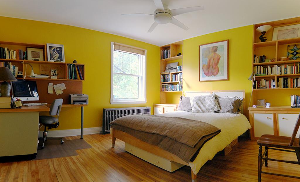 Master bedroom - chambre des maîtres