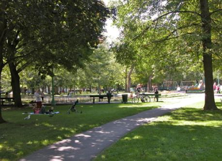 parc du quartier / neighbourhood park