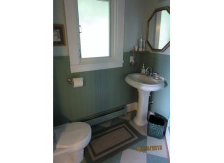 Master ensuite bathroom (partial)
