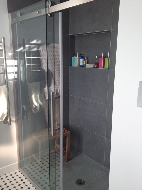 Large shower with rain shower feature