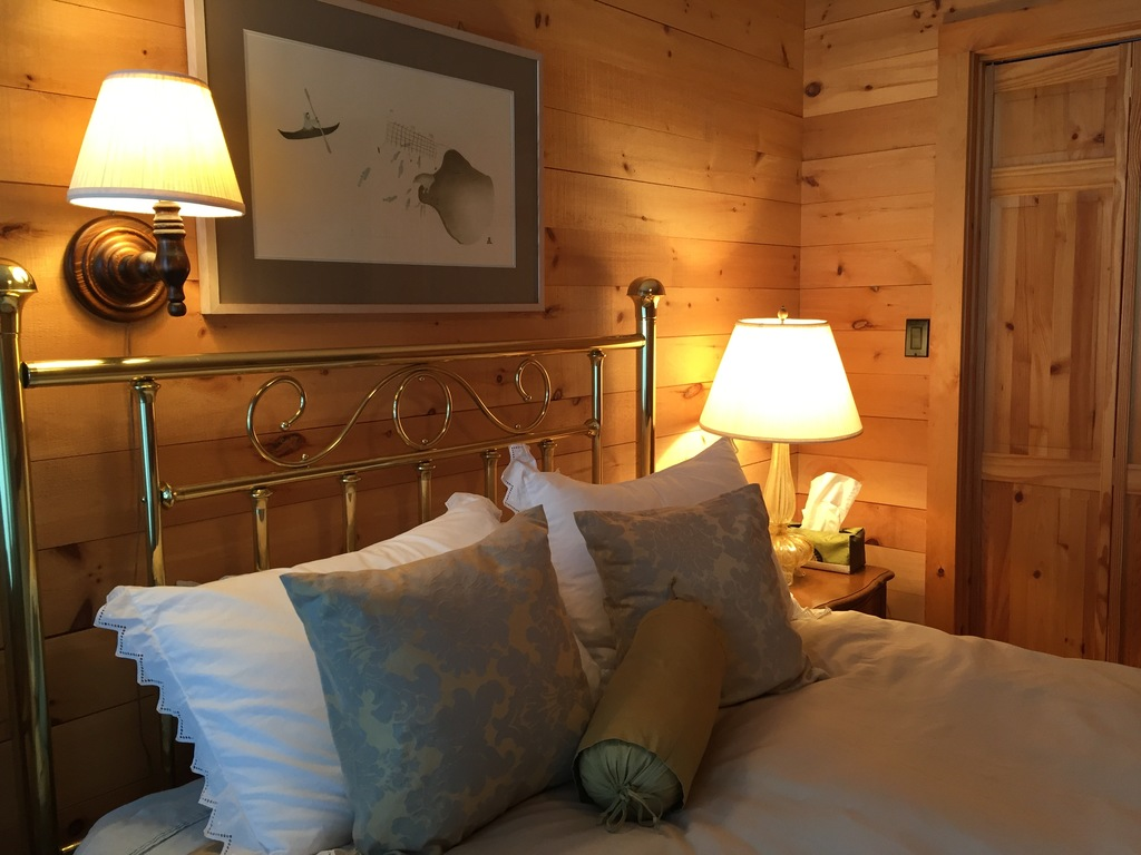 3. Inuit Themed Bedroom - Queen Bed