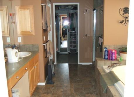 Master bedroom ensuite and walk-in closet