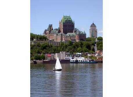 Famous Chateau Frontenac (15minutes home)