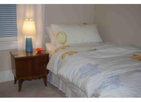 Second bedroom w/ensuite, sleeps two