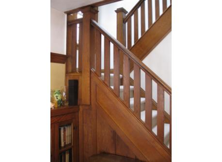 Front staircase / escalier principal