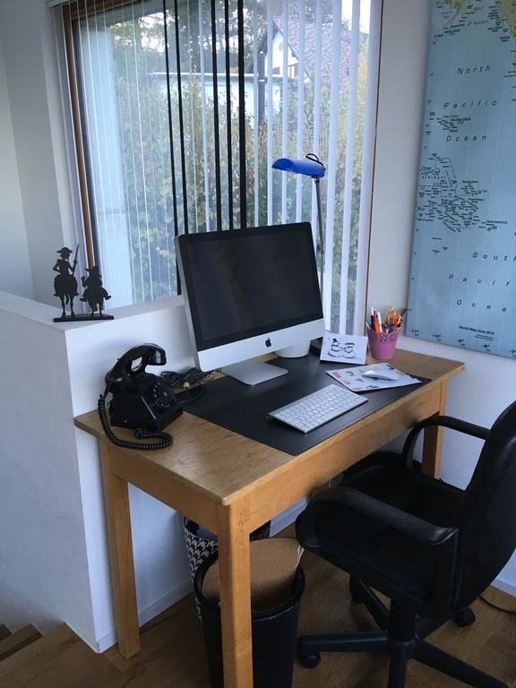 ordinateur, imprimante et wifi à disposition