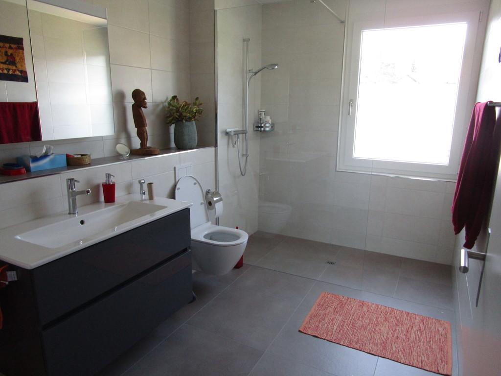 WC und Dusche neben dem Schlafzimmer