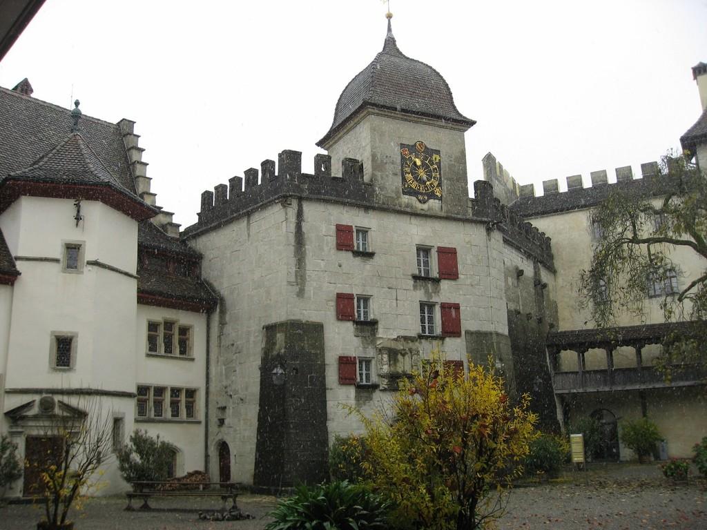 Castle of Lenzburg (20km)