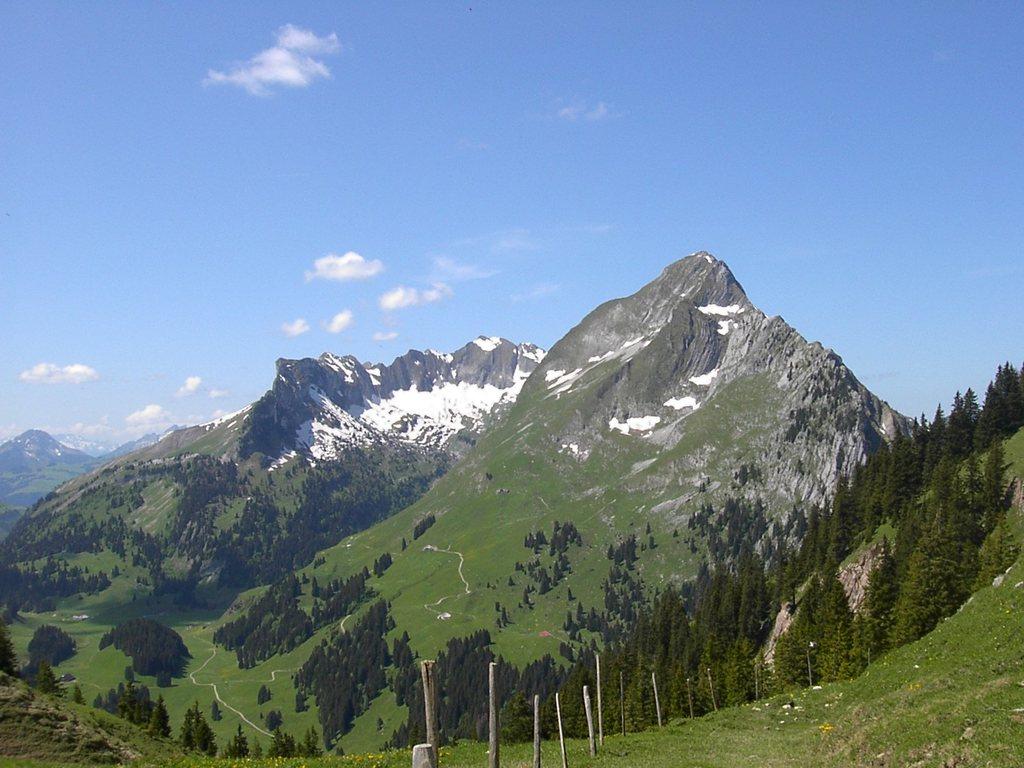 Préalpes fribourgeoises, nombreuses et magnifiques randonnées, tout proche