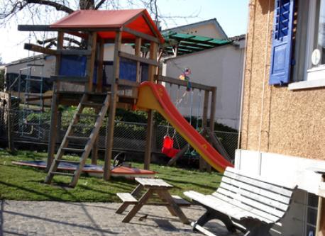 Sitzplatz / Spielplatz