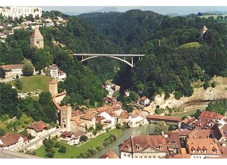 Fribourg, 30 km.