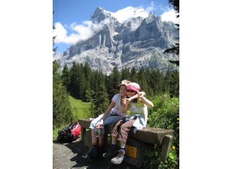Wanderung in Grindelwald > Wetterhorn / Promenade à Grindelwald > vue au Wetterhorn