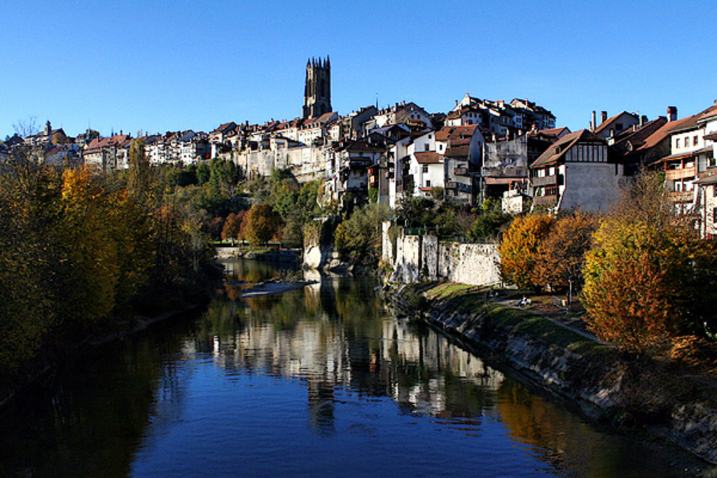 Beautiful walks and views of the town along the Sarine river