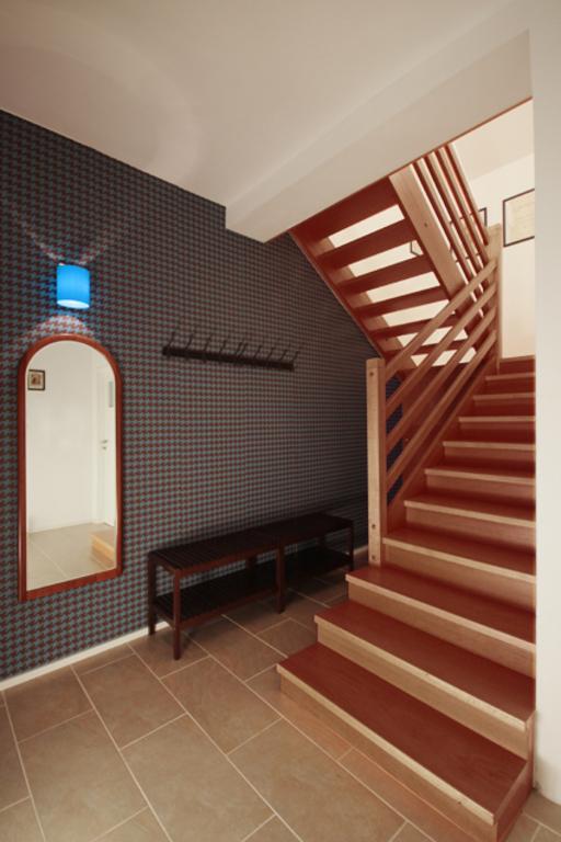Černá Hora apartment, entrance
