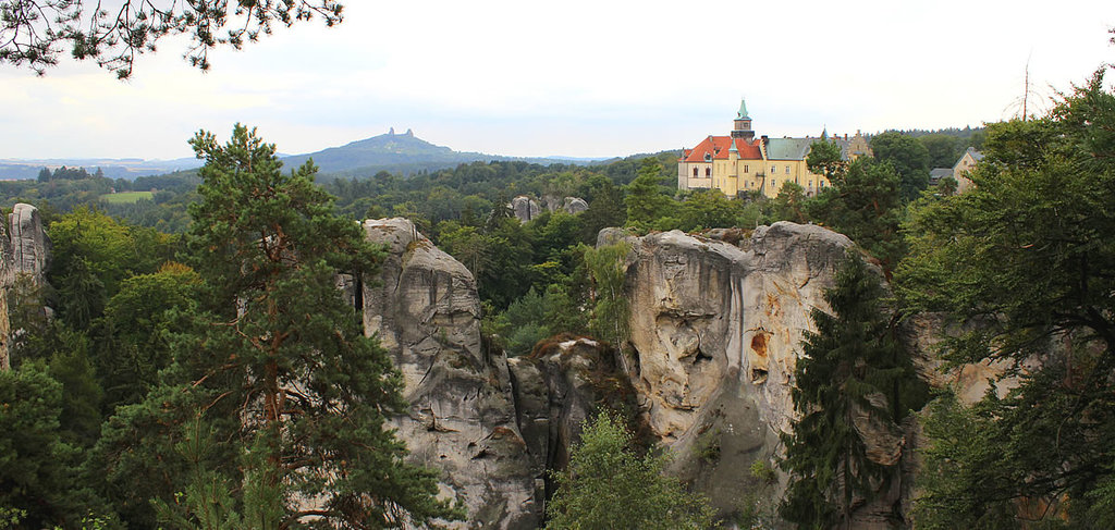 CZECH PARADISE: natural region with spectacular rocks and castles, 45 minutes by car