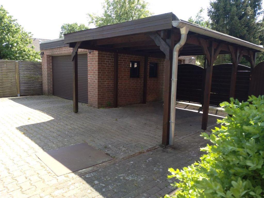Garage mit Carport/garage with carport