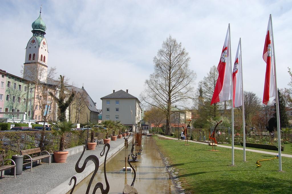Nähe der Stadtmitte mit Fußgängerzone - der Riedergarten