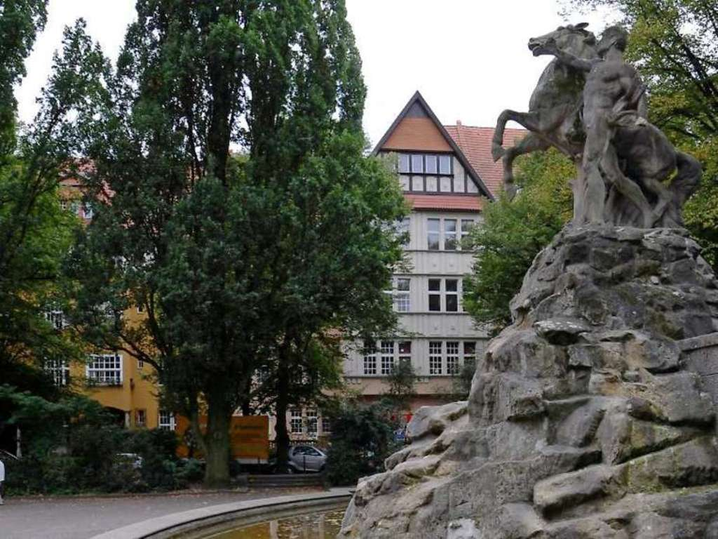 Fountain on Ruedesheimer Platz