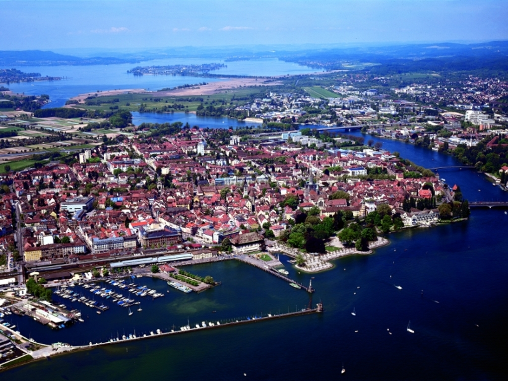 Habour, city, and lake
