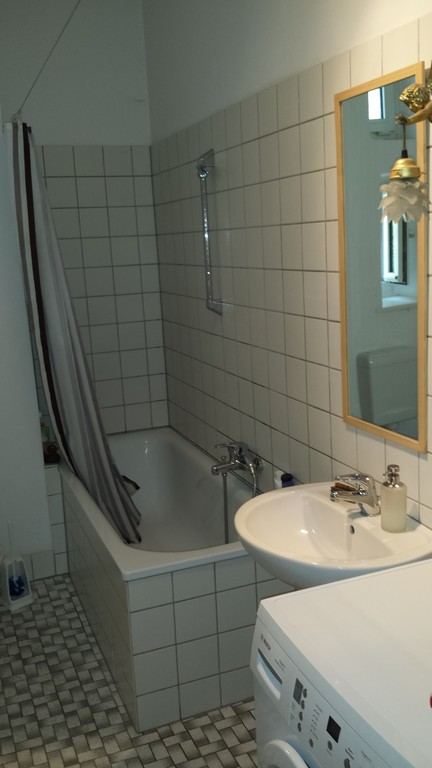 Berlin: bathroom