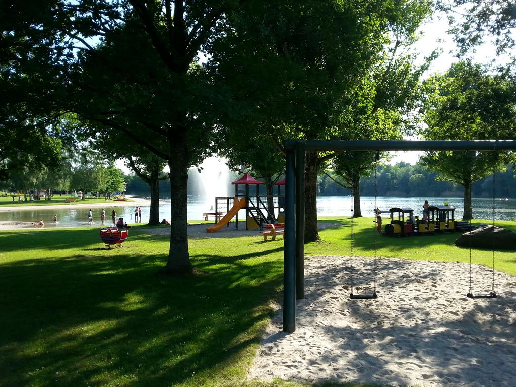 lake 'Buchtzig' (1,5 km away)