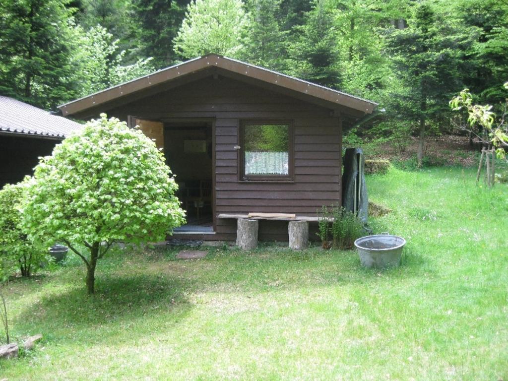 The guesthouse exterior / Das Gästehaus von außen