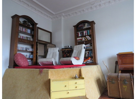 Living room podium