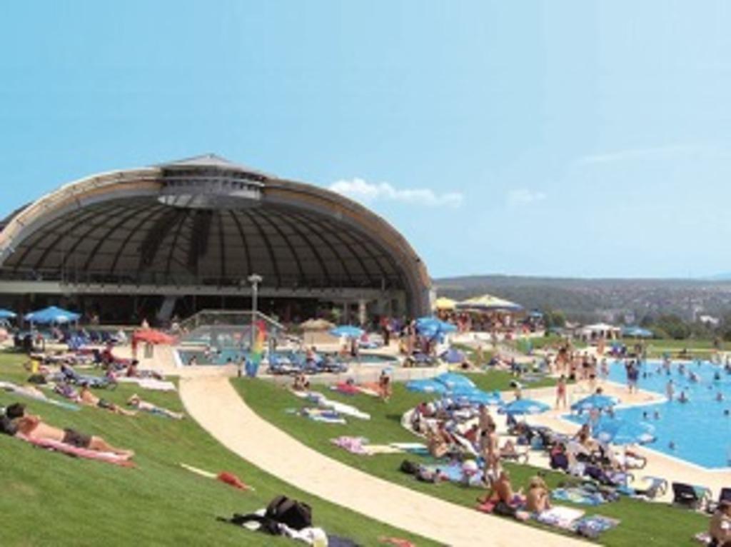 Tournesol Schwimmbad und Sauna
