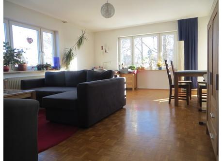 Salon.  Living-room