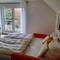 Guest Bedroom (160 x 200 cm bed)