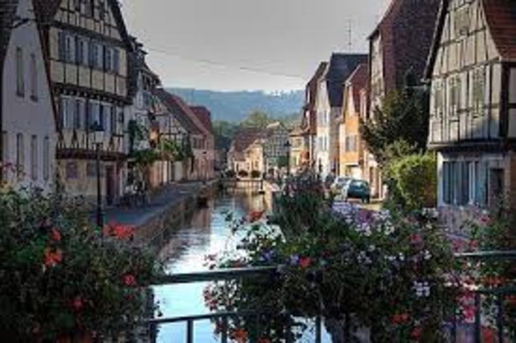 25 min. Wissembourg Elsass (Frankreich)