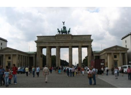 Brandenburger Tor (20 minutes by subway)