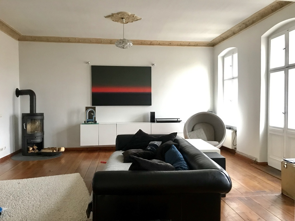 livingroom with balkony