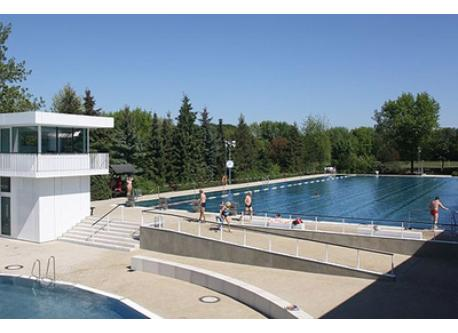 Public indoor and outdoor pool is 700m from our house