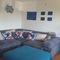 Living room (sofa) / salón (sofá)