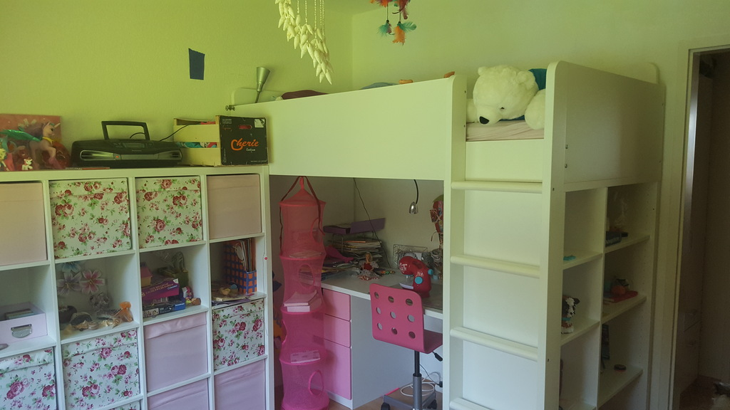 child`s room I / dormitorio I