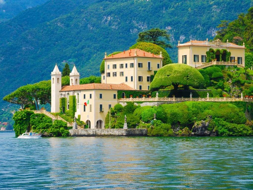 Villa Balbianello, place of star wars and James Bond-movies