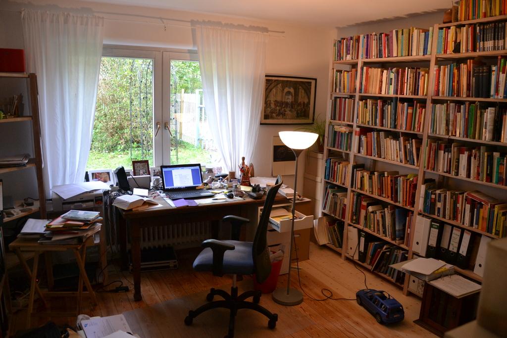 Arbeitszimmer/office