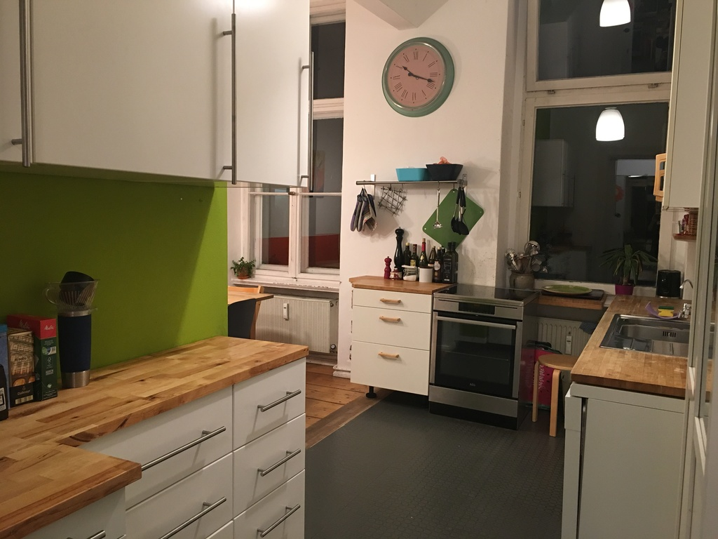 kitchen (upstairs)
