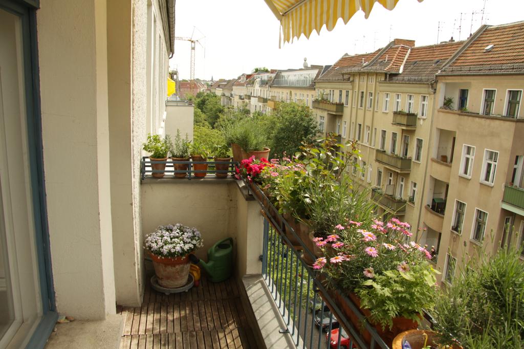 balcony