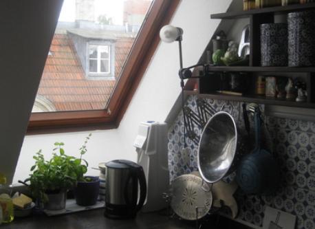 cucina con vista al cortile