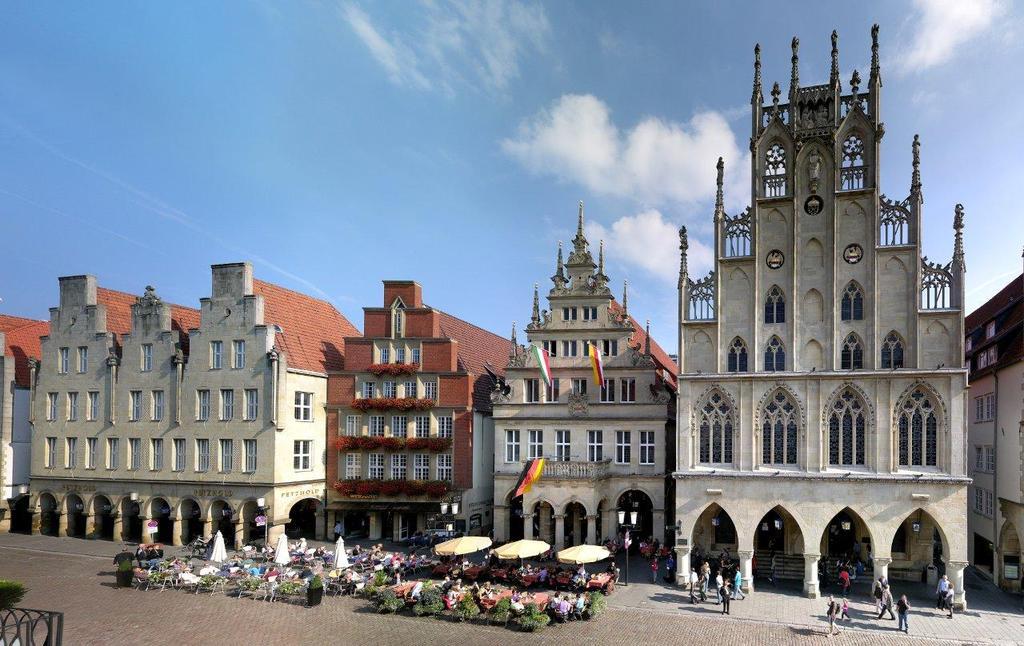 Prinzipalmarkt and historic Town HallFoto: Presseamt Münster / Tilman Roßmöller