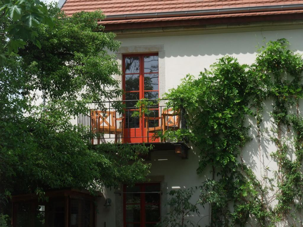 childrens balcony