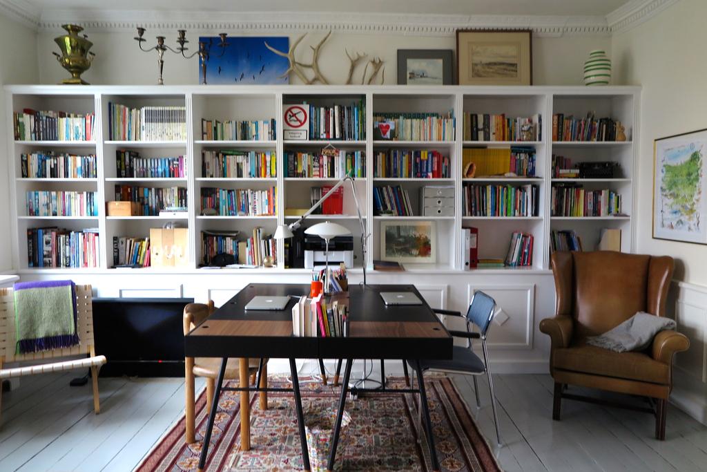 Sitting room/study.