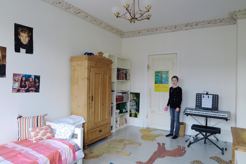 Victoria's room.