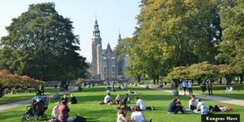 Copenhagen has many parks, here Kings Garden